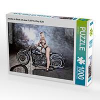 CALVENDO Puzzle Jennifer in Black mit einer FLSTF Fat Boy Bj.03 1000 Teile Lege-Größe 64 x 48 cm Foto-Puzzle Bild von Udo Talmon