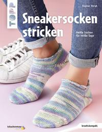 Cover: Dagmar Bergk Sneakersocken stricken. Heiße Socken für heiße Tage.